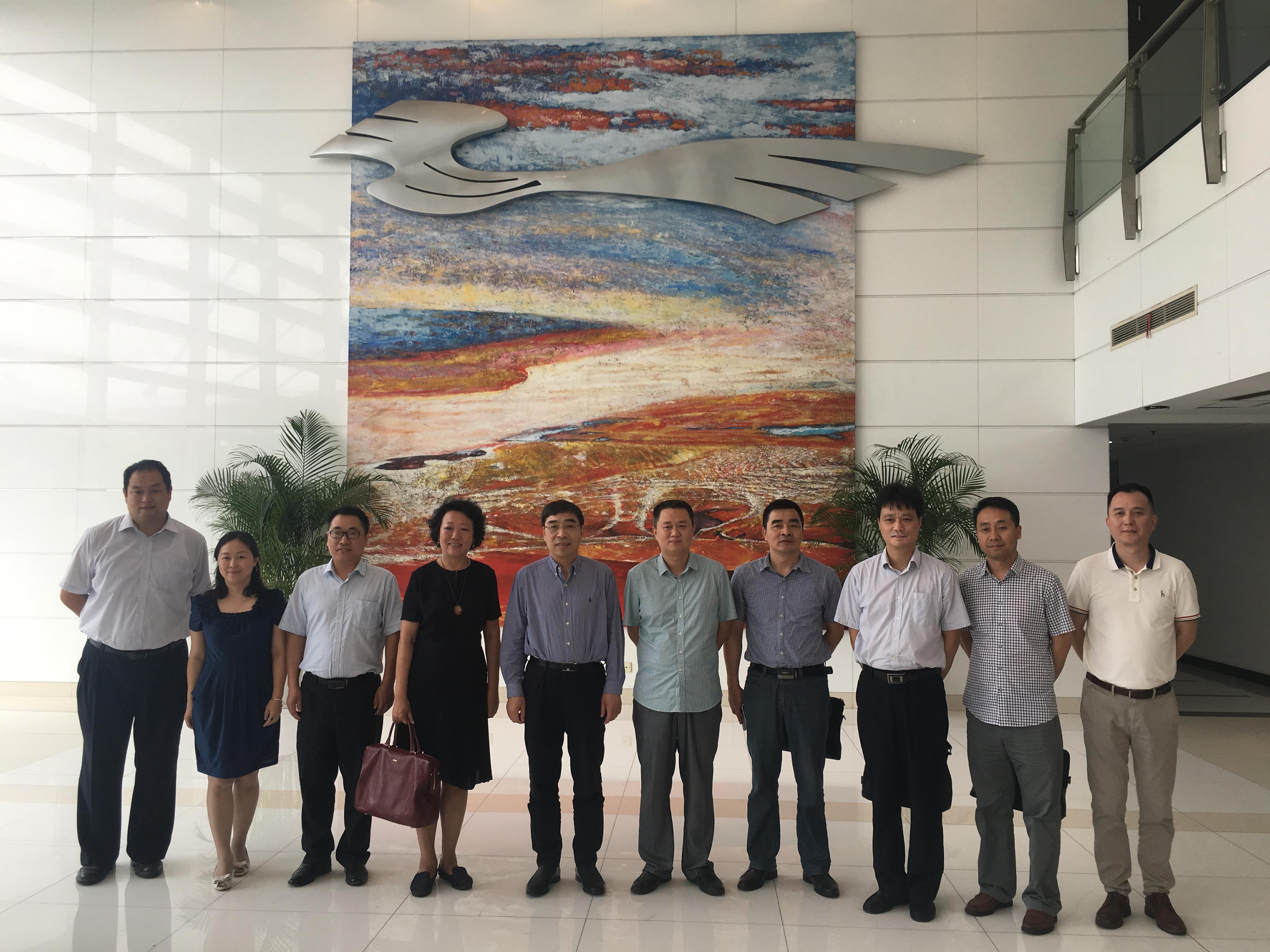 学院领导班子赴上海工程技术大学考察学习